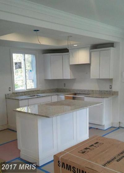 Single Family Home For Sale: 4710 Clay Street NE