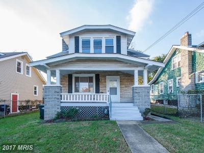 Washington Single Family Home For Sale: 2604 24th Street NE