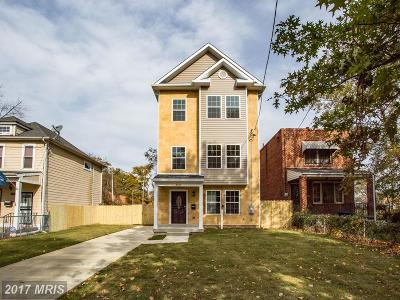 Washington Single Family Home For Sale: 4526 Douglas Street NE
