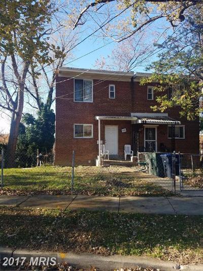 Washington Condo For Sale: 515 Hilltop Terrace SE