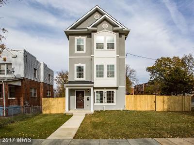 Single Family Home For Sale: 4952 Blaine Street NE