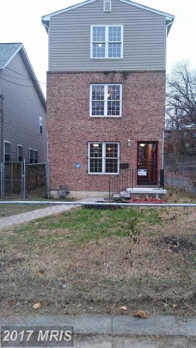 Washington DC Single Family Home For Sale: $580,000