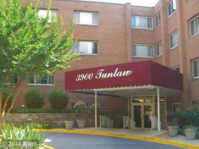 Condo/Townhouse Sold: 3900 Tunlaw Road Northwest #610