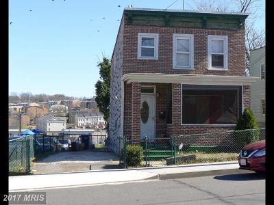 Washington DC Single Family Home For Sale: $335,000