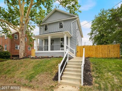 Single Family Home For Sale: 18 Madison Street NE