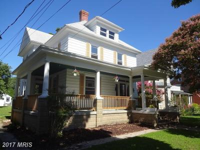 Cambridge Single Family Home For Sale: 913 Race Street