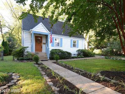 Falls Church VA Single Family Home For Sale: $649,000