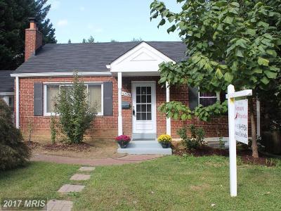 Fairfax Single Family Home For Sale: 10926 Oakwood Drive