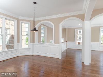 Fairfax Townhouse For Sale: 10671 Yorktown Court