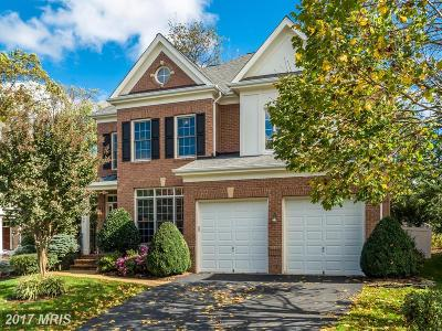 Fairfax Single Family Home For Sale: 3835 Farrcroft Drive