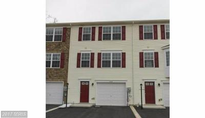 Fayetteville PA Lease/rentals For Rent: $1,095