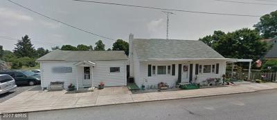 Walkersville Single Family Home For Sale: 4 Maple Avenue