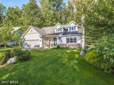 Frederick Single Family Home For Sale: 11802 Pond Crest Court