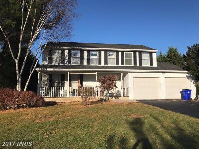 Middletown Single Family Home For Sale: 6 Caroline Drive