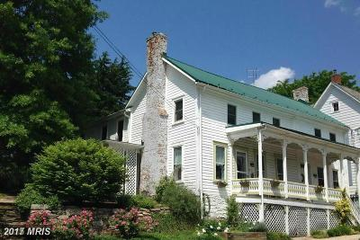 Middletown Single Family Home For Sale: 11 Main Street