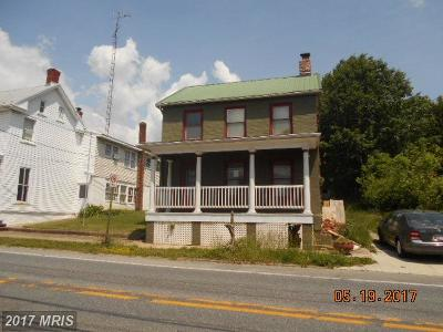 Middletown Single Family Home For Sale: 511 Main Street W