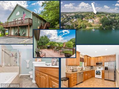 Aspen, Audubon Terrace Villas, Balmoral, Balmoral Overlook, Coldstream, Eaglehead Summerfield, Eaglehead/Pinehurst, Lake Linganore Woodridge, North Shore, Pinehurst, The Meadows, Villas At Westwinds, Villas Lake Anita Louise, Westwinds, Woodlands Preserve At Westwinds, Woodridge Single Family Home For Sale: 6579 Nyasa Bend