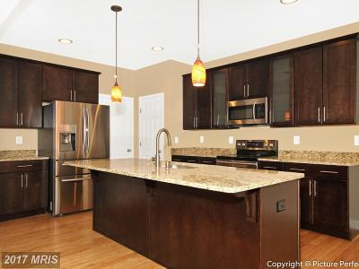 New Market Single Family Home For Sale: 10807 Forest Edge Place