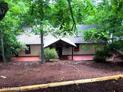Frederick, Harrisonburg City, Page, Rockingham, Shenandoah, Warren, Winchester City Single Family Home For Sale: 105 Lakeside Court