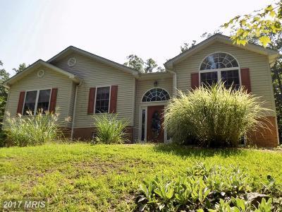 Frederick Single Family Home For Sale: 114 Three Oaks Drive