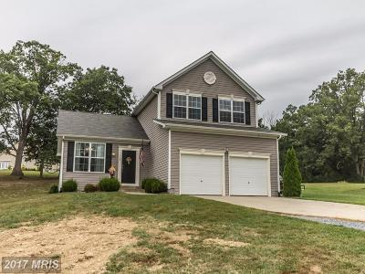 Frederick Single Family Home For Sale: 115 Colonial Drive