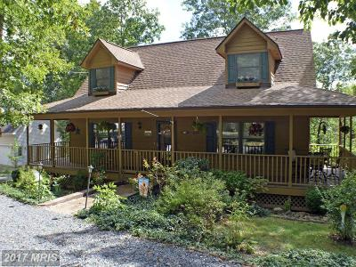 Frederick Single Family Home For Sale: 113 Greenwood Court