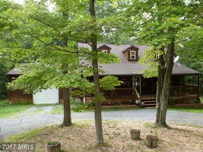 Frederick Single Family Home For Sale: 121 Powhatan Trail