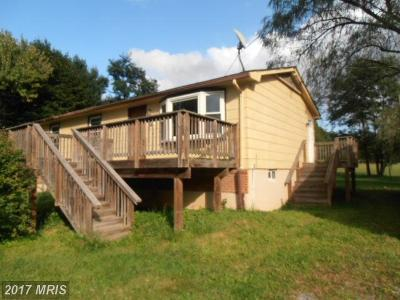 Frederick Single Family Home For Sale: 1312 Frog Hollow Road