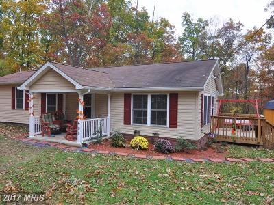 Frederick Single Family Home For Sale: 600 Fawn Drive