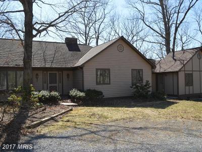 Middletown Single Family Home For Sale: 375 Buckhorn Road