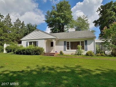 Fairfax Single Family Home For Sale: 6636 Beacon Lane