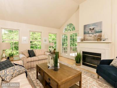 Annandale Single Family Home For Sale: 4637 Randolph Drive