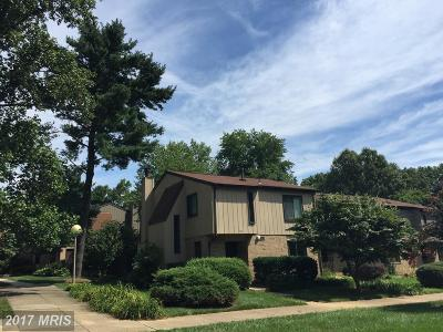 Reston, Herndon Townhouse For Sale: 1794 Ivy Oak Square