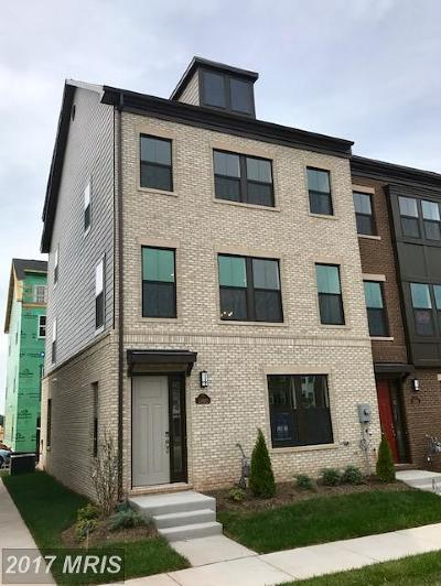 Herndon Townhouse For Sale: 13660 Air And Space Museum Parkway