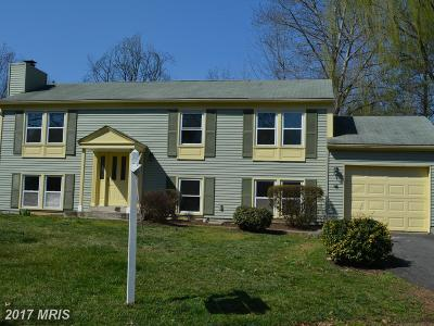 Herndon VA Single Family Home For Sale: $440,000
