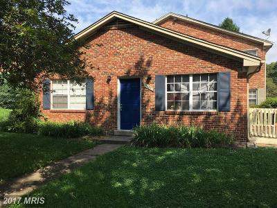 Fairfax, Fairfax City Townhouse For Sale: 9687 Hagel Circle #A