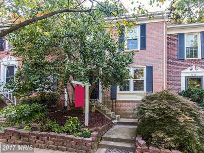 Reston Single Family Home For Sale: 2410 Wanda Way