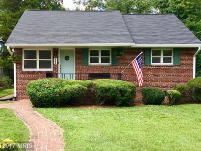Falls Church VA Single Family Home For Sale: $439,900