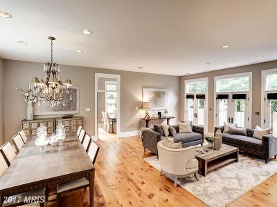 McLean Single Family Home For Sale: 6441 Hitt Avenue