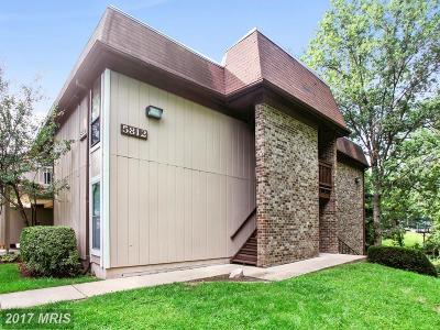 Springfield Condo For Sale: 5812 Royal Ridge Drive #P