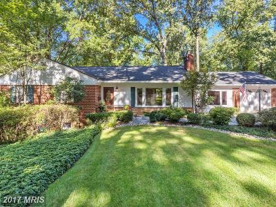 Falls Church Single Family Home For Sale: 3036 Cedarwood Lane