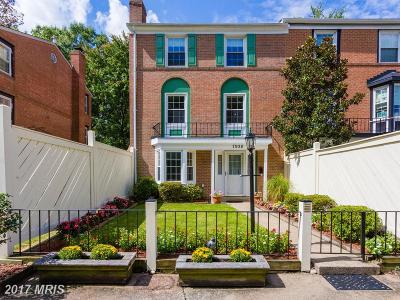 Alexandria Townhouse For Sale: 7938 Central Park Circle