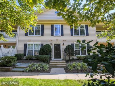 Oakton VA Condo For Sale: $325,000