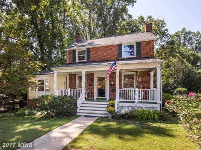 Falls Church Single Family Home For Sale: 7233 Pinewood Street