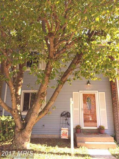 Burke Townhouse For Sale: 5507 Hollins Lane