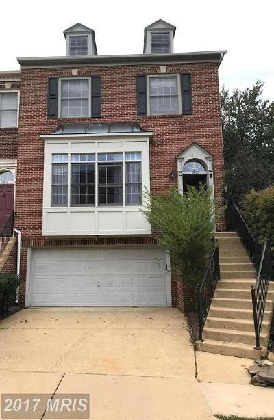 Vienna Townhouse For Sale: 1802 Fawncrest Court
