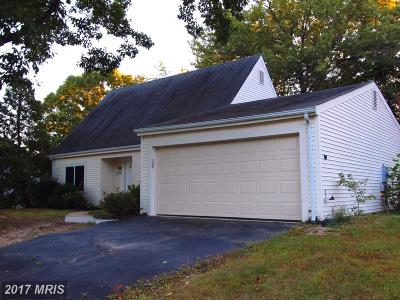 Springfield Single Family Home For Sale: 6939 Spelman Drive