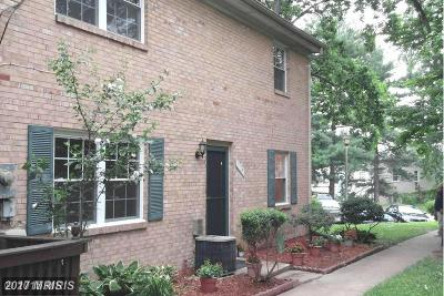 Lorton Townhouse For Sale: 9725 Hagel Circle #D