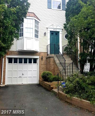 Lorton Townhouse For Sale: 6710 Mockingbird Woods Court