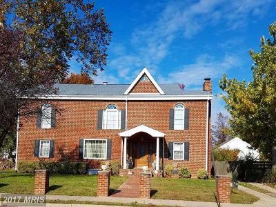 Alexandria Single Family Home For Sale: 3318 Memorial Street
